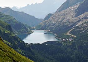 Lake and Dam by Sergiba
