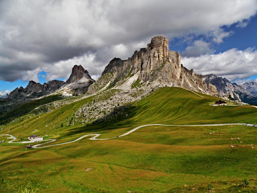 Giau Pass by Sergiba