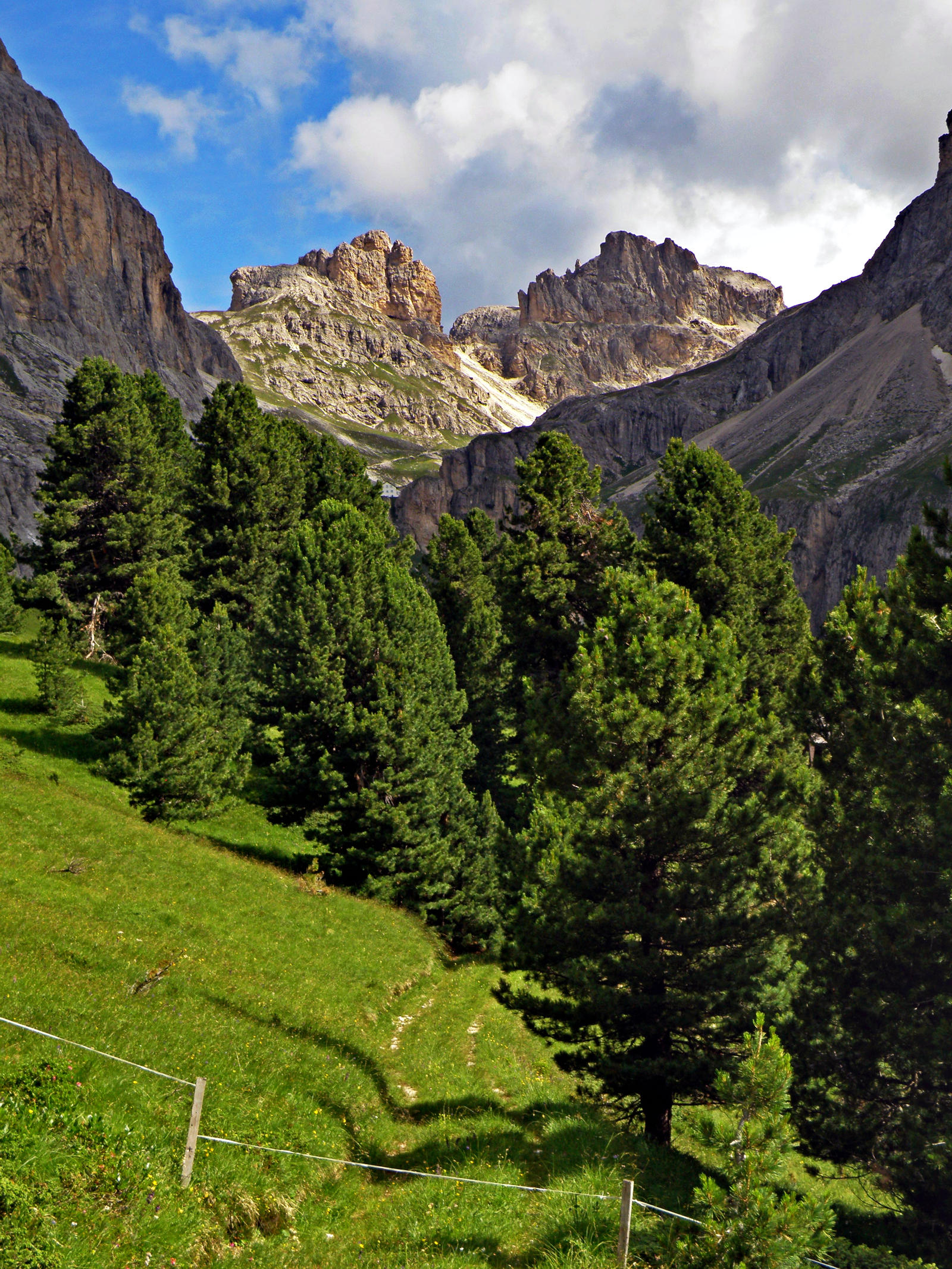 Vajolet valley by Sergiba