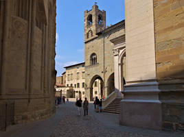 Entering Piazza Duomo