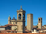 Towers, statues and bell towers by Sergiba
