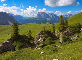From Col Raiser to Sassolungo