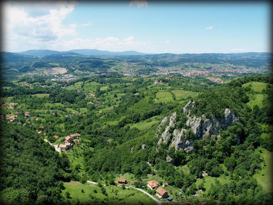 Bosna i Hercegovina - Page 2 Bosnia_landscape_by_frozenwintertear-d53gk7w