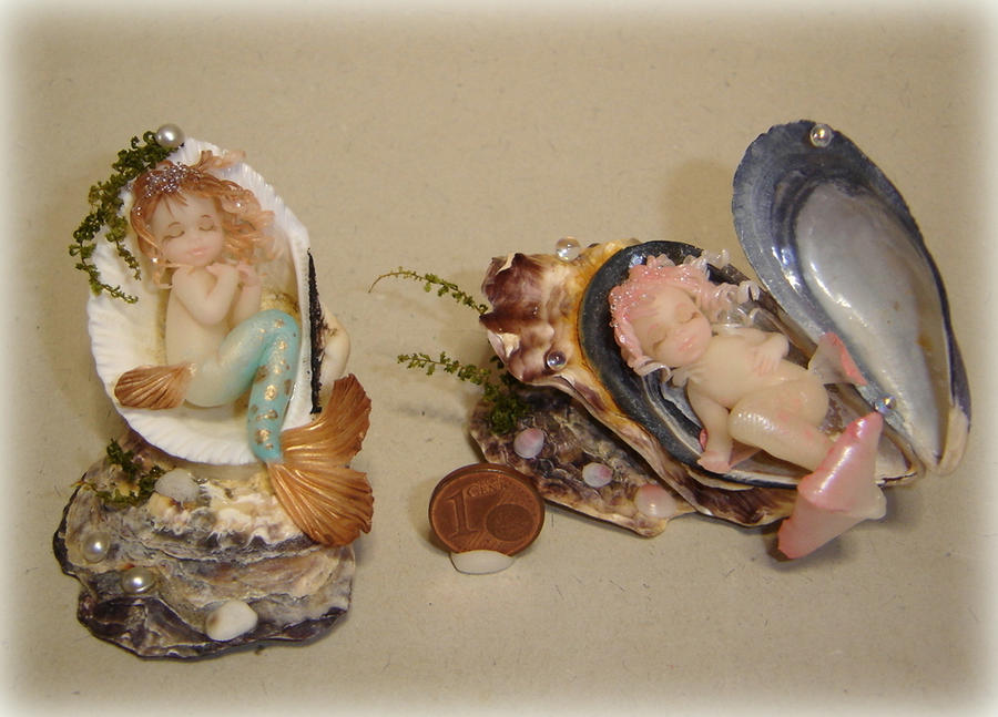 Dreaming the sea - Mermaids in shells by Fairiesworkshop