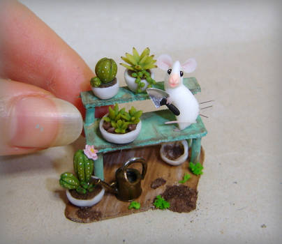 Gardener mouse by Fairiesworkshop