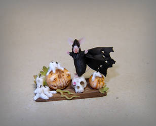 Halloween mouse - Dracula! by Fairiesworkshop