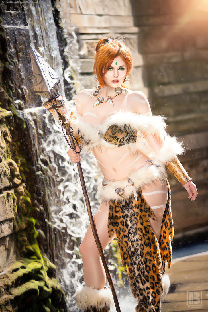 Nidalee Cosplay I love playing cat and mouse by MiuMoonlight