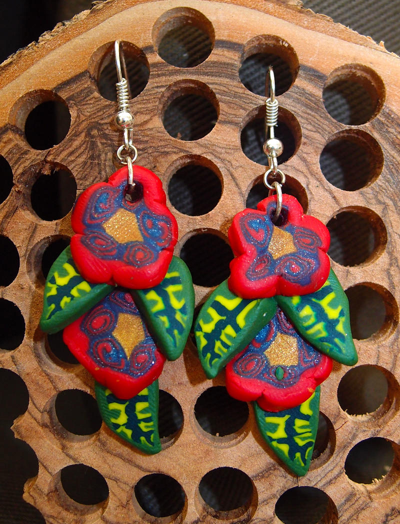 Flower earrings by MirachRavaia