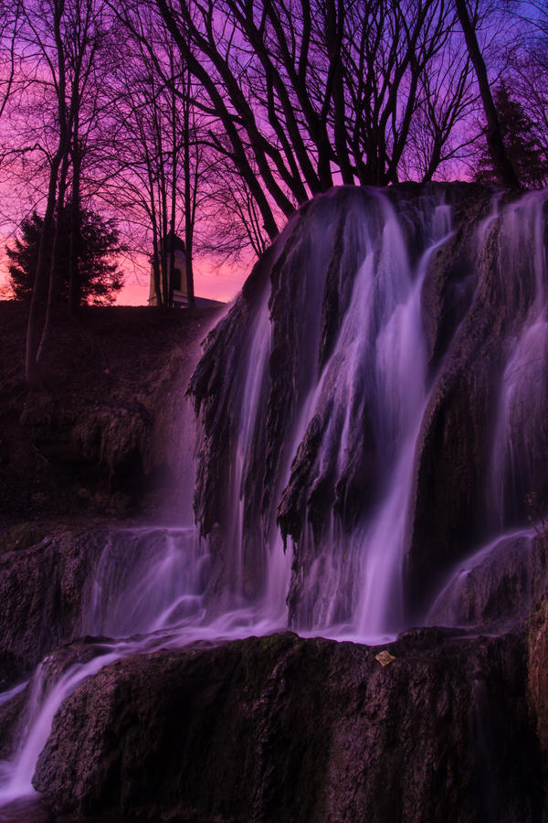 Nightfall by MirachRavaia