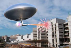 Aliens Use Novelty Ray-Guns