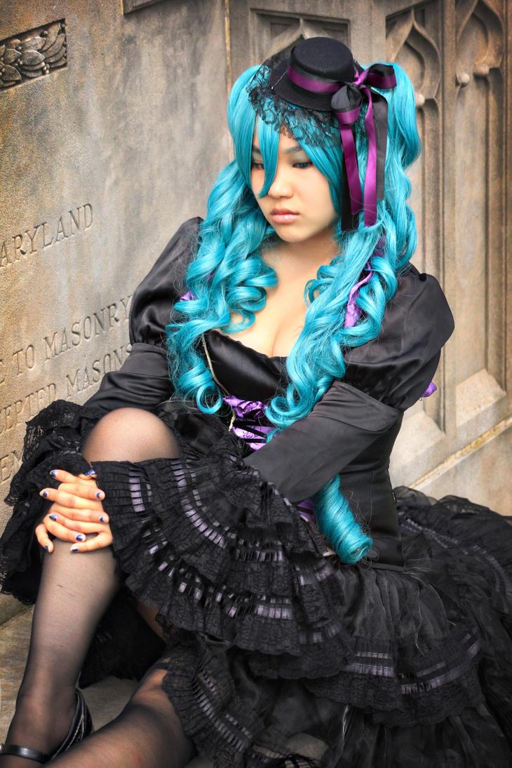 Vocaloid-Solemn by AkabaraYashiki