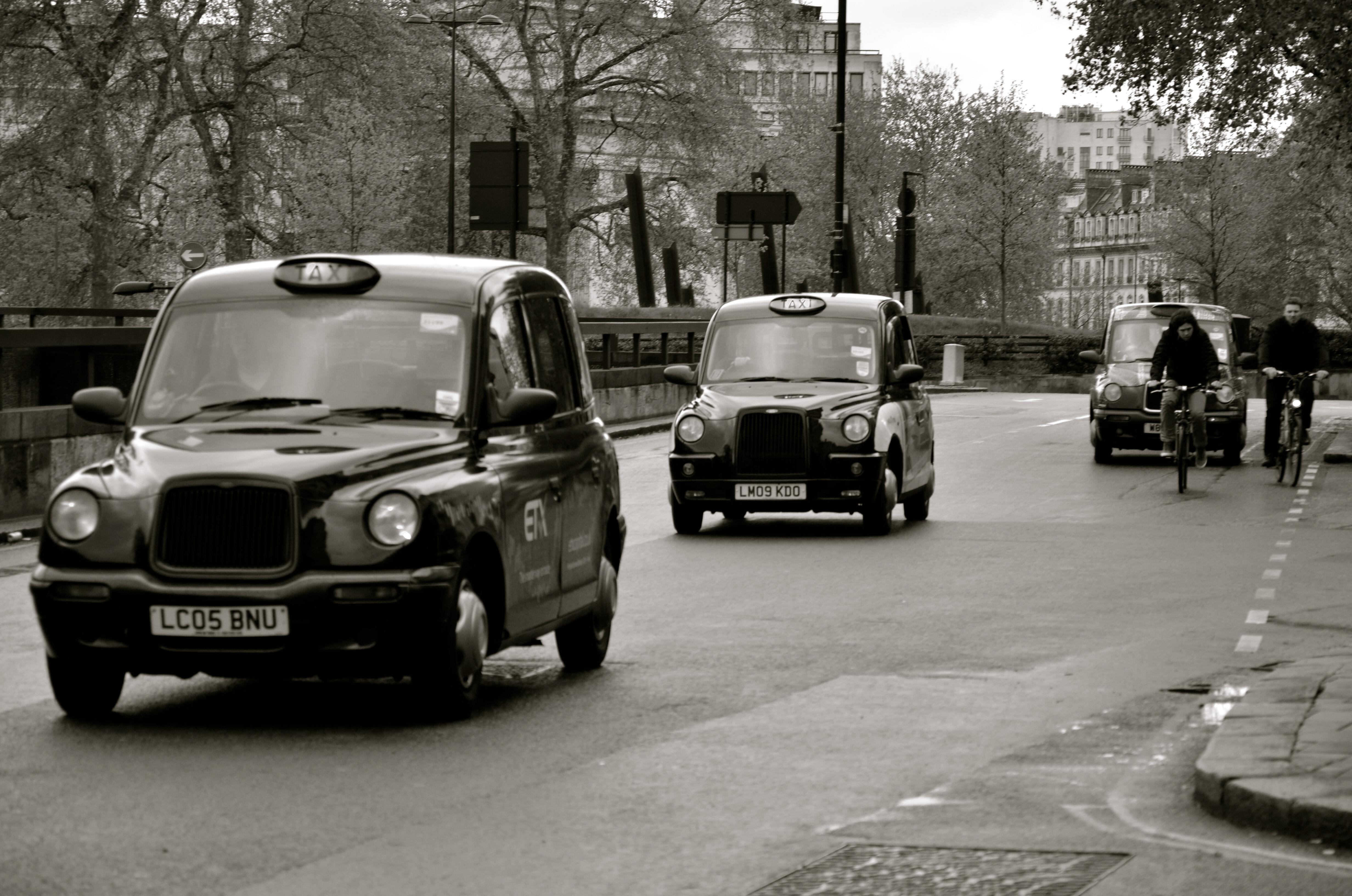 London Taxi by HGABALDON