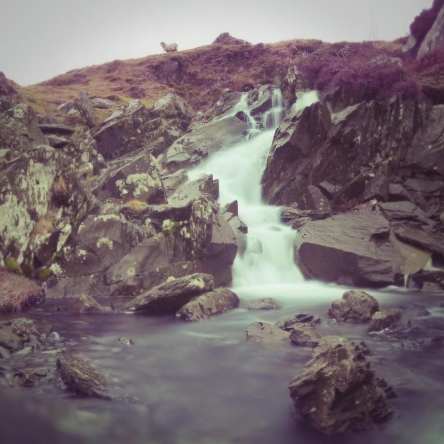 Waterfall by manofallart