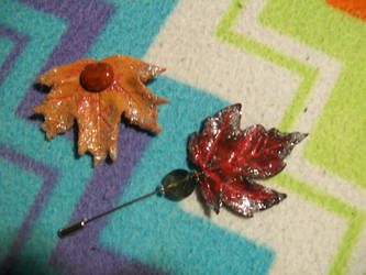 Leaf brooches