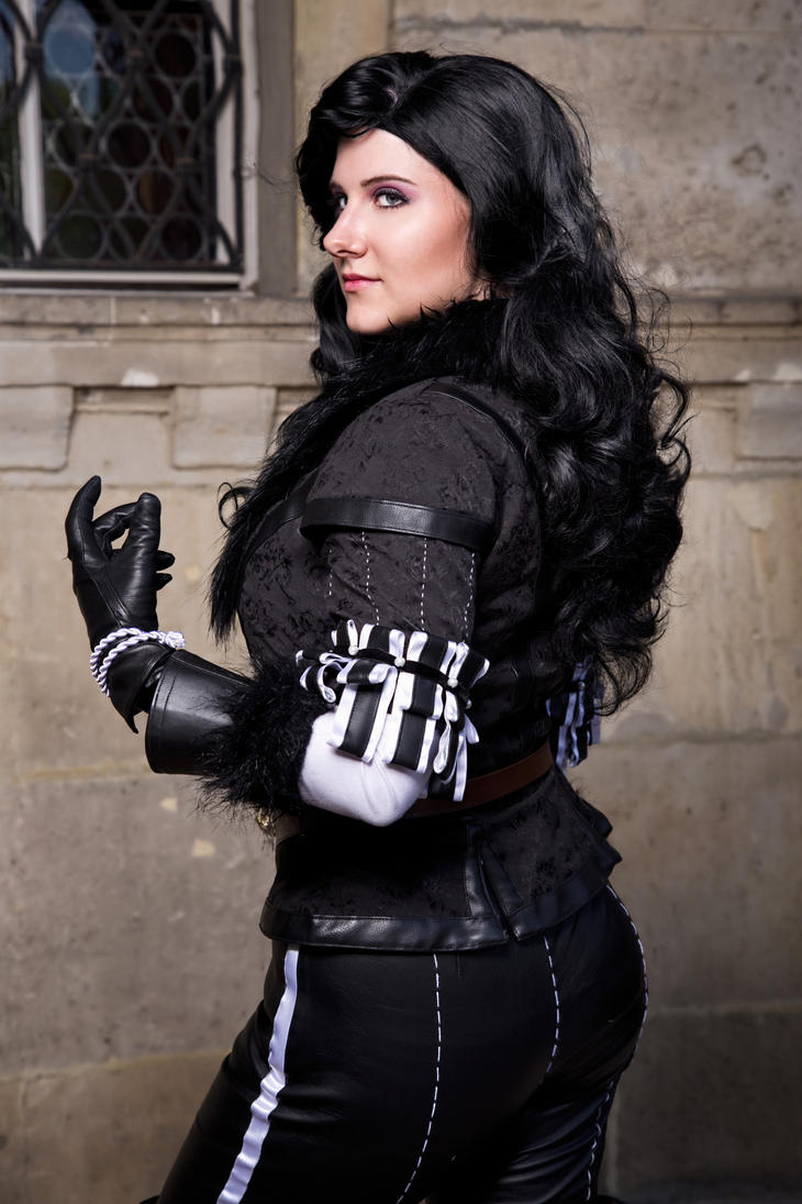 Yennefer of Vengerberg cosplay by Oderian-Silverarrow