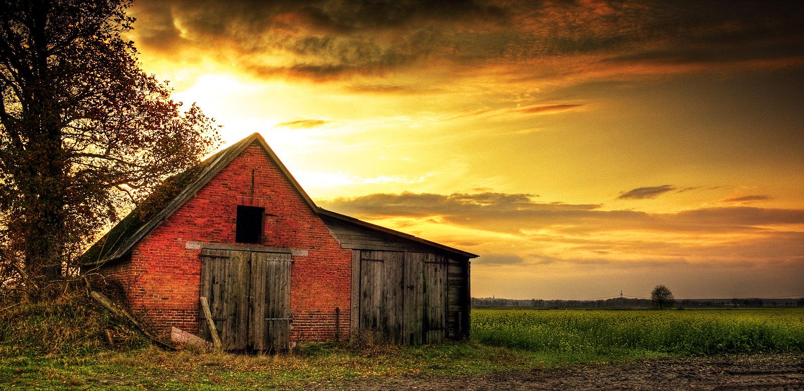 barn wallpaper - photo #24
