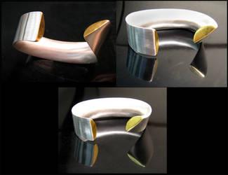 Kumboo hollow bracelet by greeryan