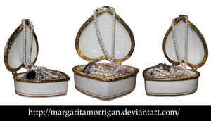 Casket with pearls