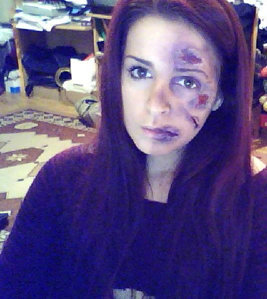Half zombie haha!! by Tania20a