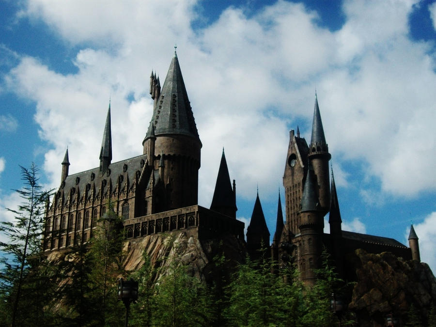 Hogwarts by LmarieCHAN