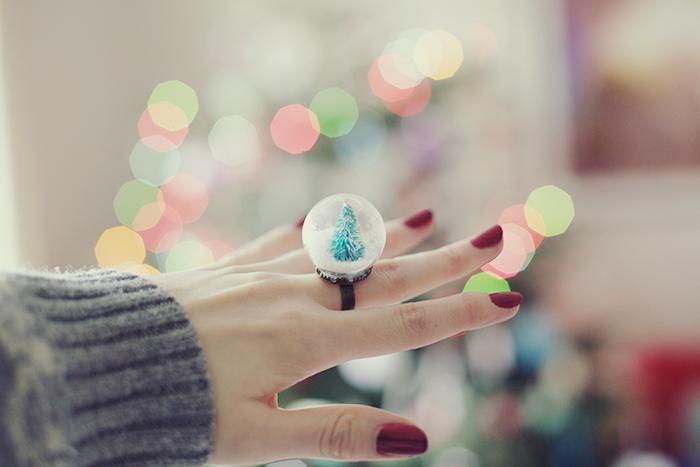little snow globe by kittysyellowjacket