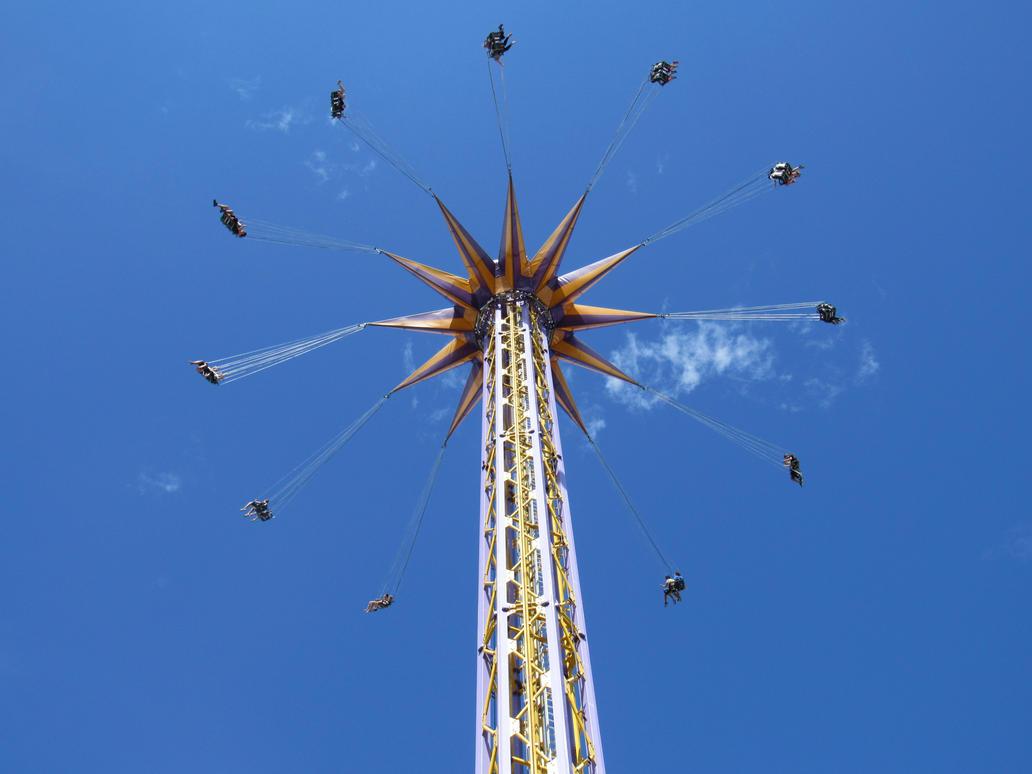 Amusement park by HeitorSatlerMacedo