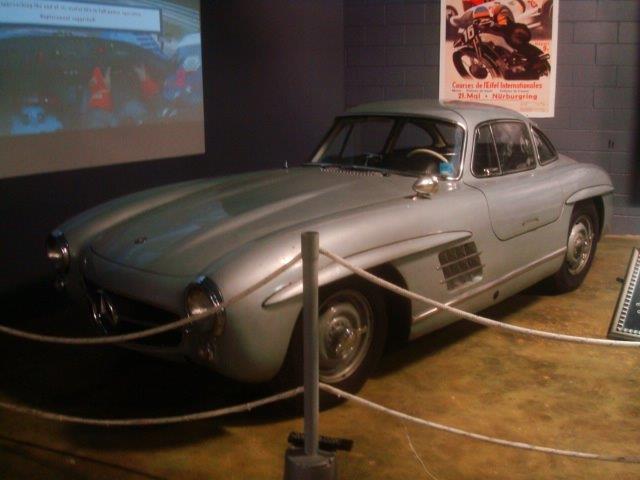 Mercedes benz cl 300 by weegeesarus on deviantart for Mercedes benz cl 300