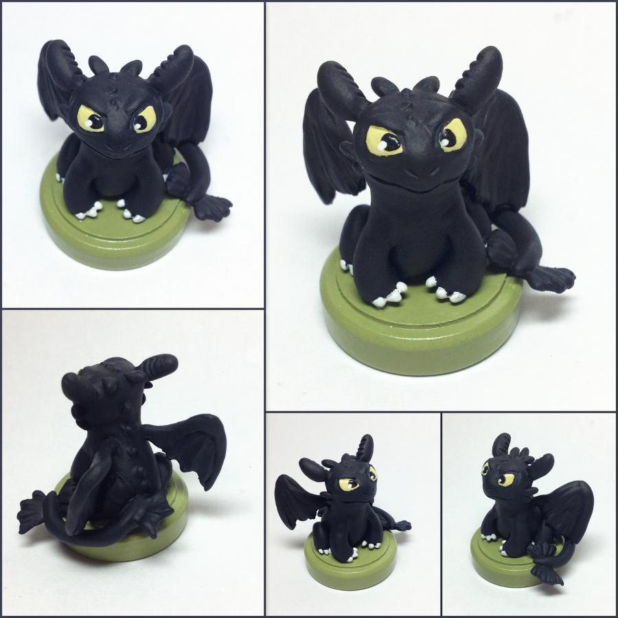Toothless Miniature Sculpture by LeiliaK
