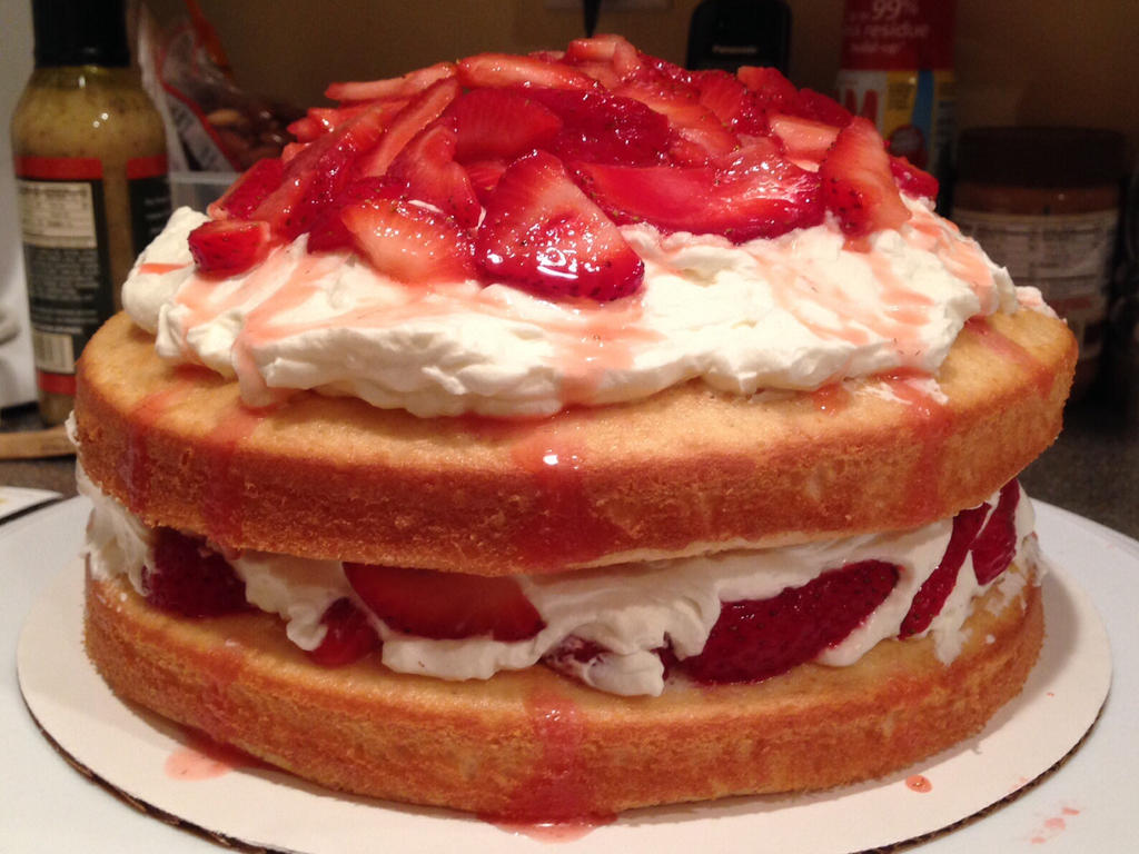 Strawberry Shortcake by Sserenita