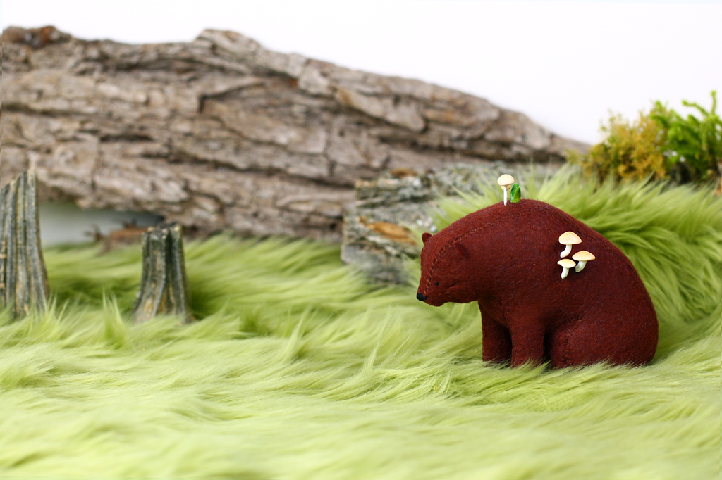 Meadow Bear 02 by PastYourPorchlight