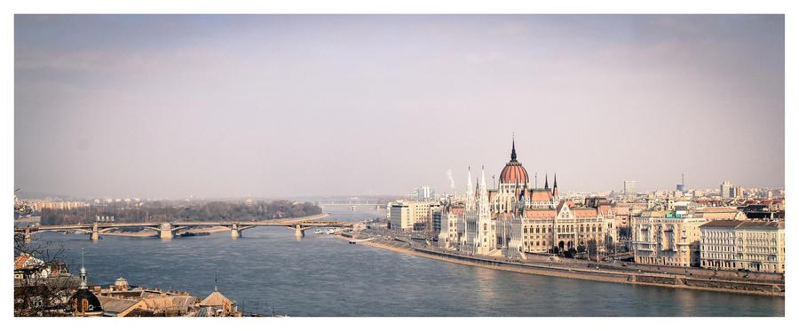 Budapest by P1eTru5zka