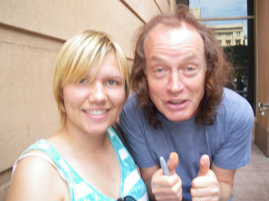Angus Young Wife