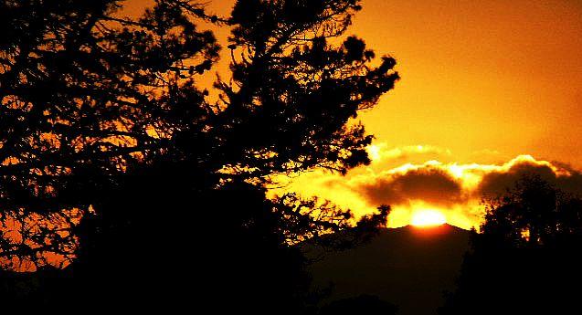 Cliche sunset 7 by nerdkink