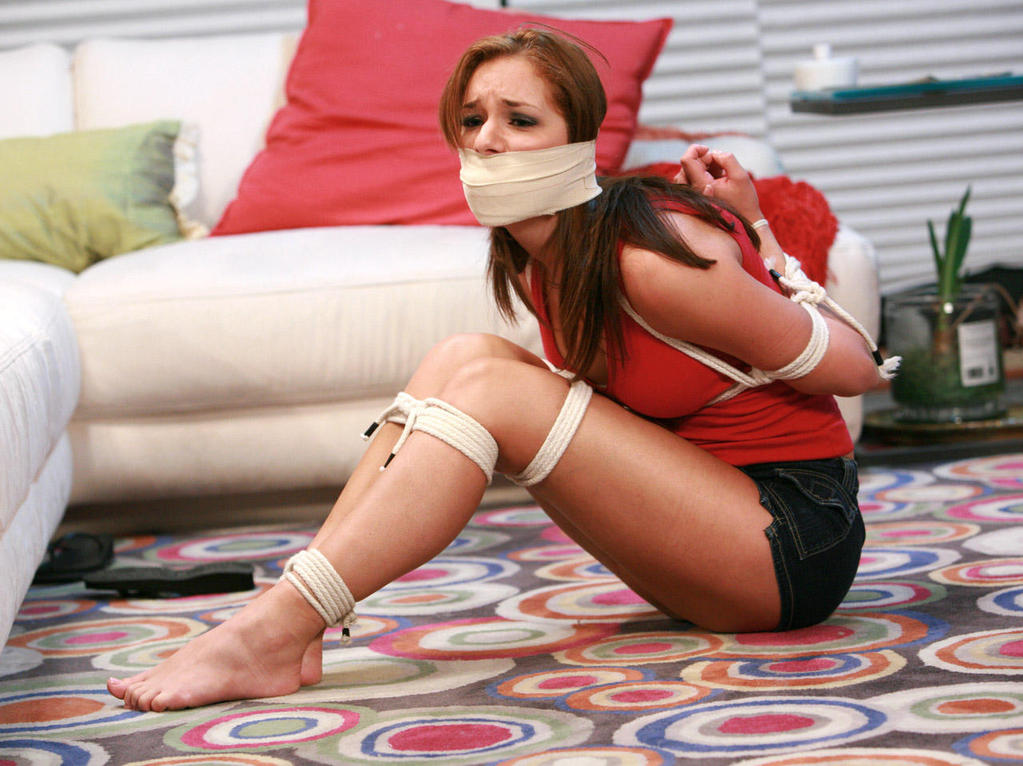 bound-and-gagged-girl-felt-by-men