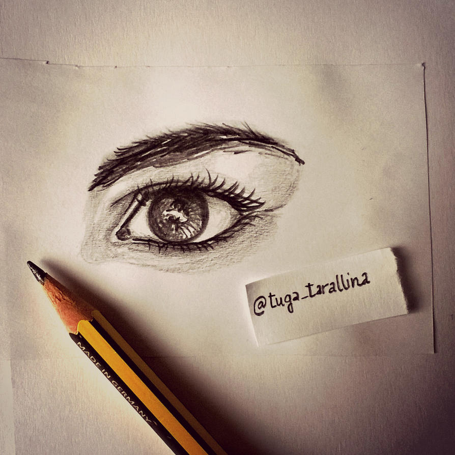 sketching eyes... by ImoutoNoSachiko