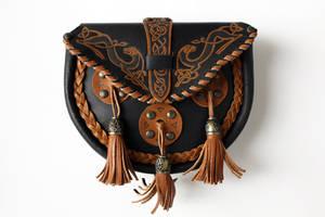 Celtic purse by Tinnulanthir