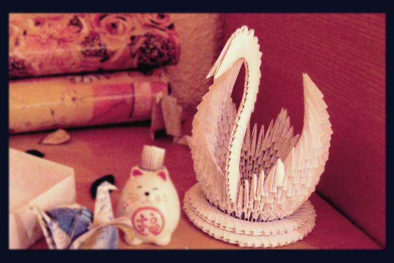 Modular Origami Swan by BlackDelphin