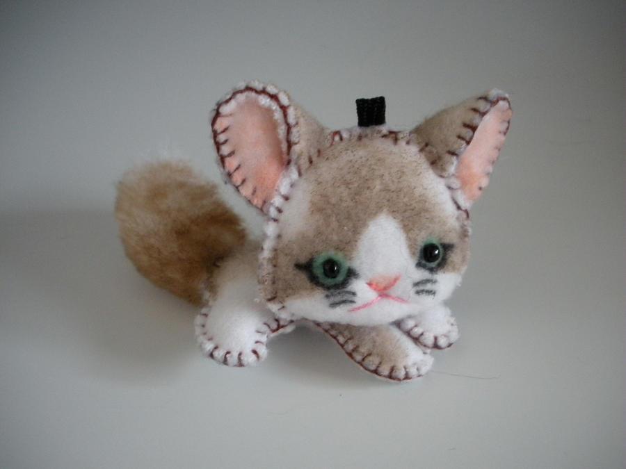 Kitty Keychain by WhittyKitty