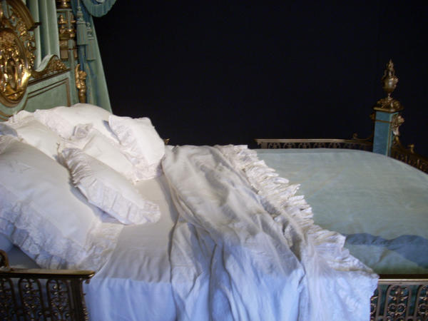 Bed 03 by Detail-Stock