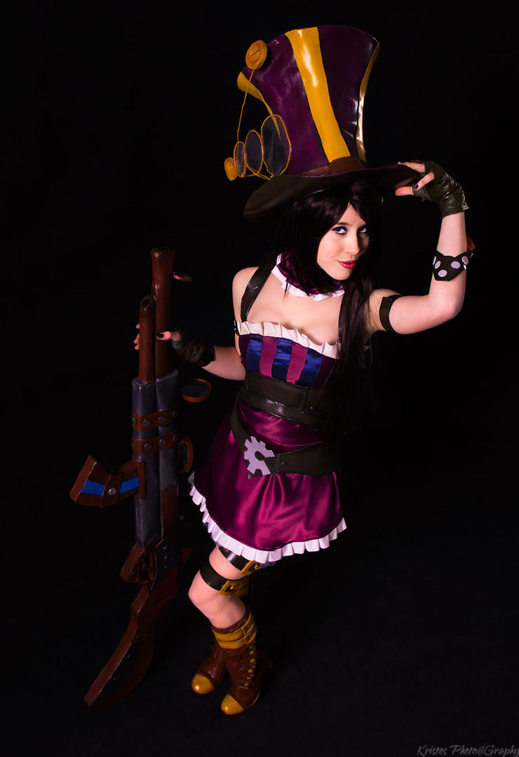 Caitlyn the Sherif f of Piltover by Ellwinga