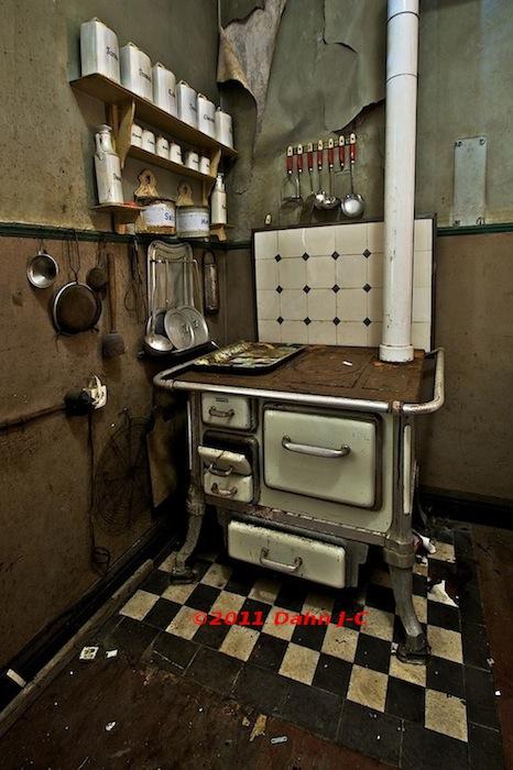 The kitchen by ZerberuZ