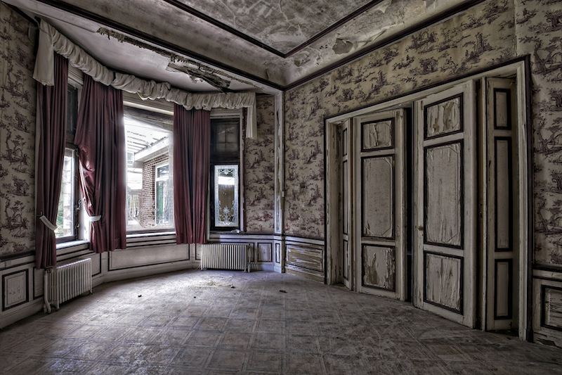 Salon rouge by ZerberuZ