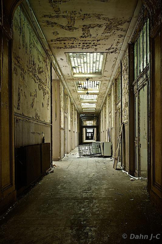 Silent Hill Corridor by ZerberuZ