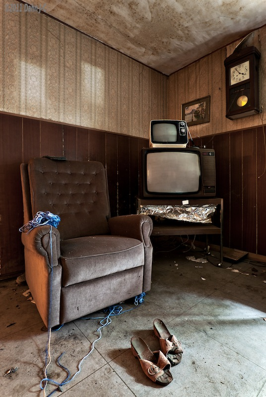 Ghosts watching TV by ZerberuZ