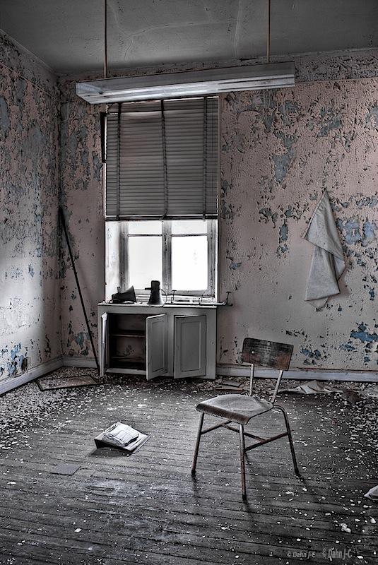 Decayed room by ZerberuZ