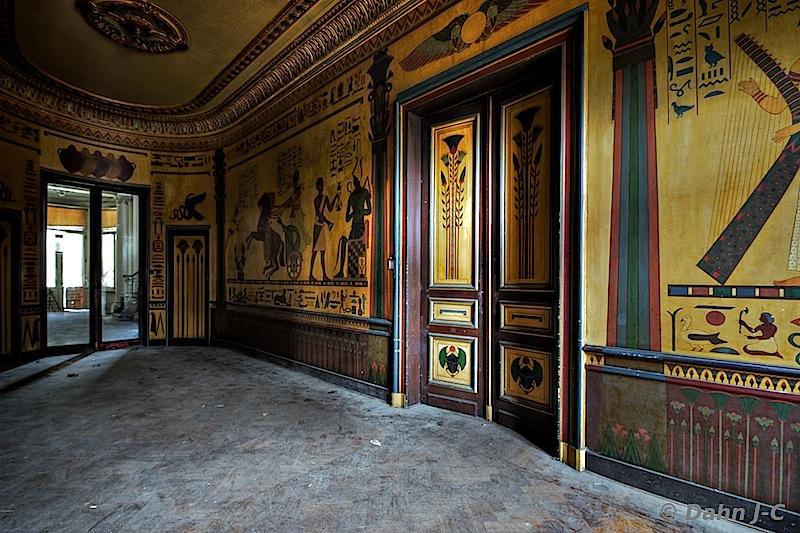Corridor Amon Re by ZerberuZ
