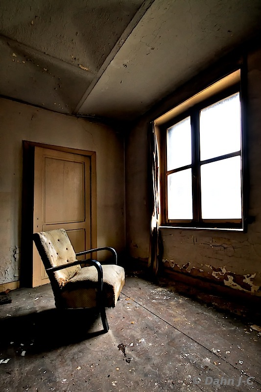 Window seat in Hell by ZerberuZ