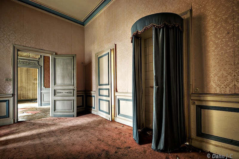 the princess room by ZerberuZ
