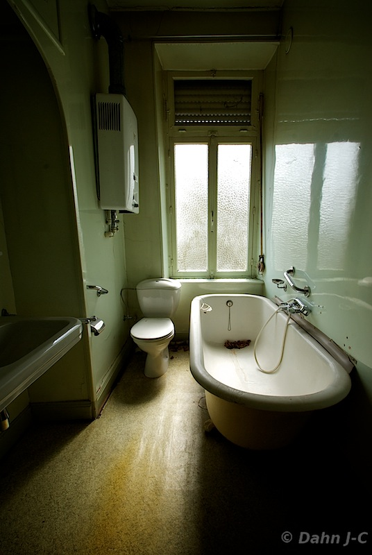 Bathroom Maison L by ZerberuZ