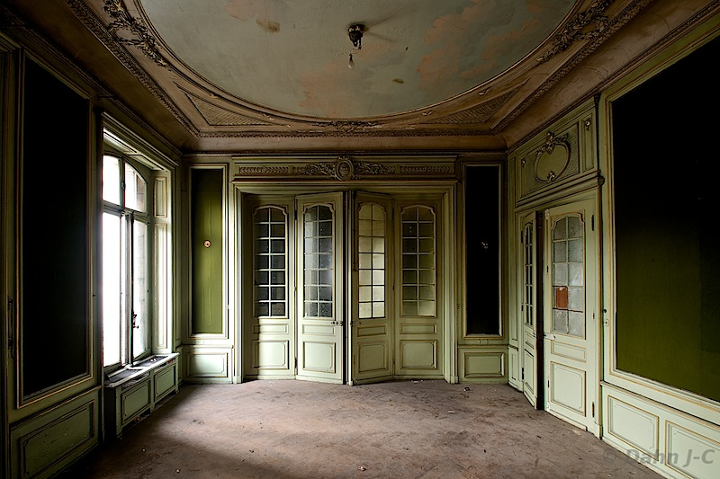 Green-room by ZerberuZ
